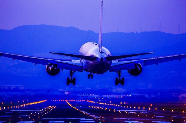 飛行機 空港 出国